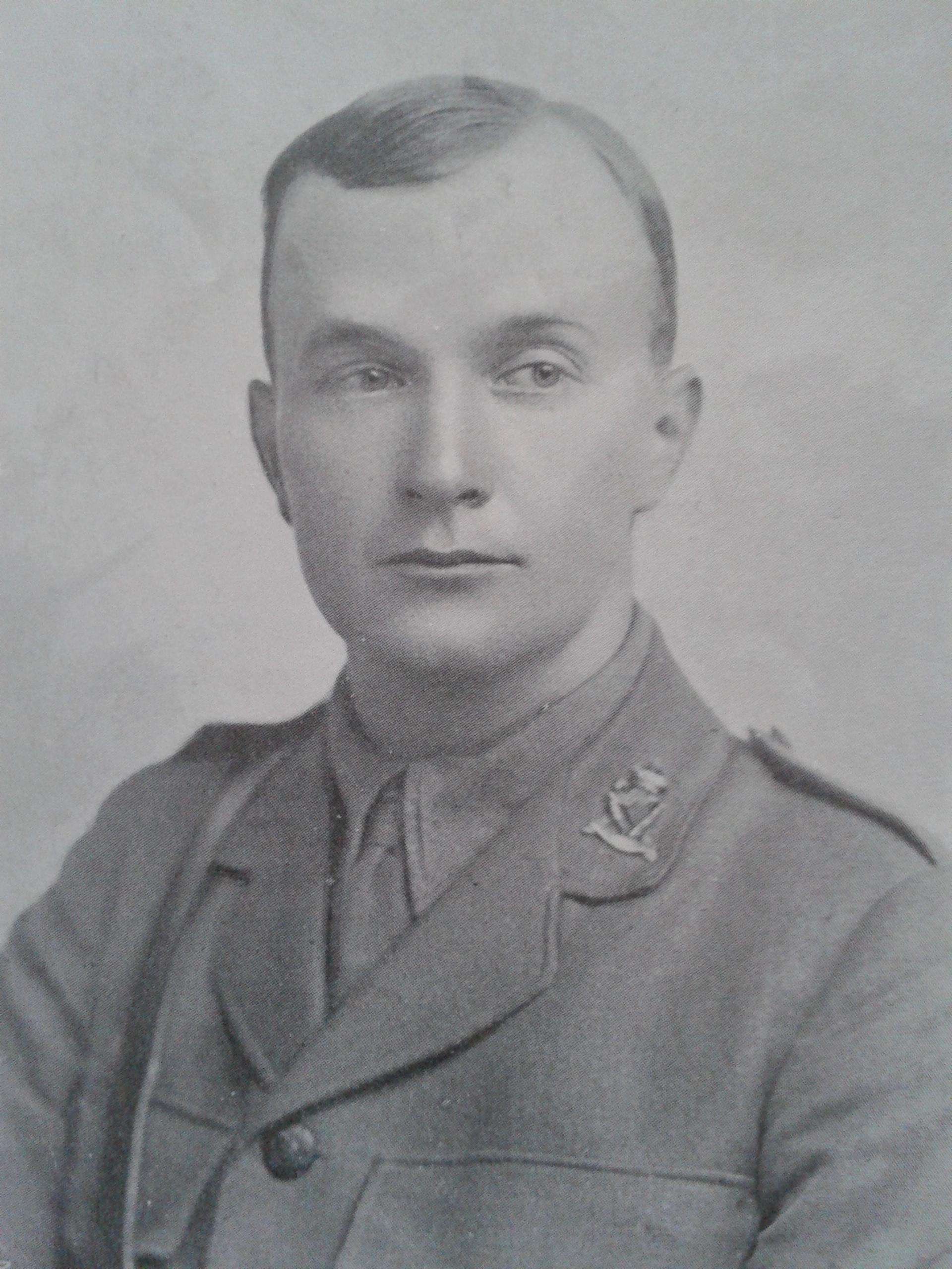 Lieut J D Neill 1916