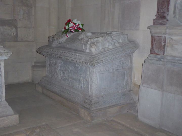 Queen Isabella tomb