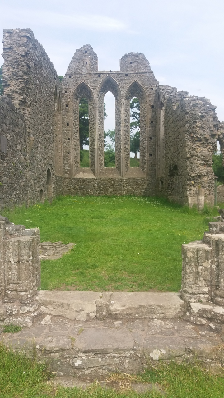 IA Inch Abbey entrance b