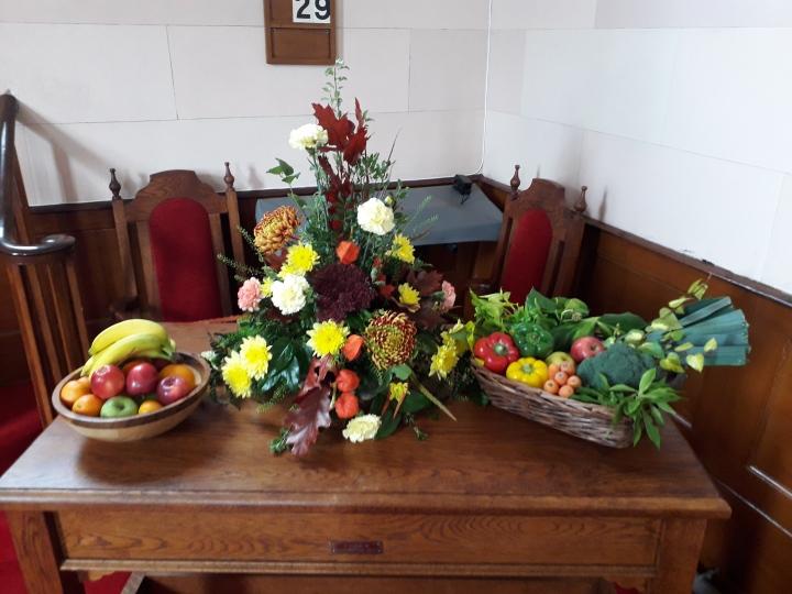 Clough Harvest table