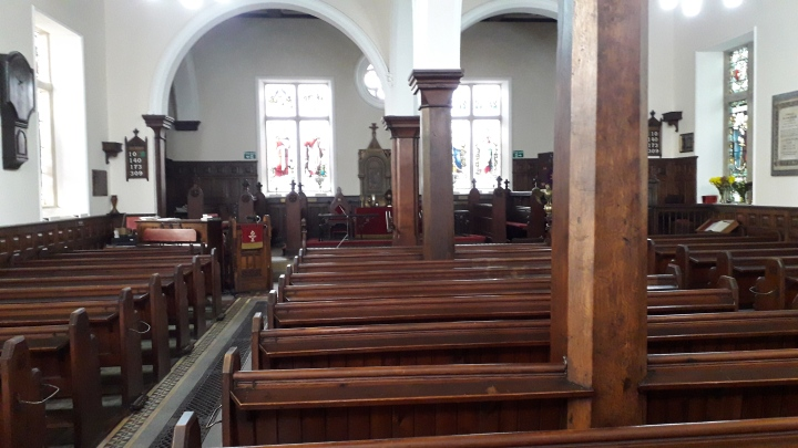 Mansfield Interior looking towards chancel 02