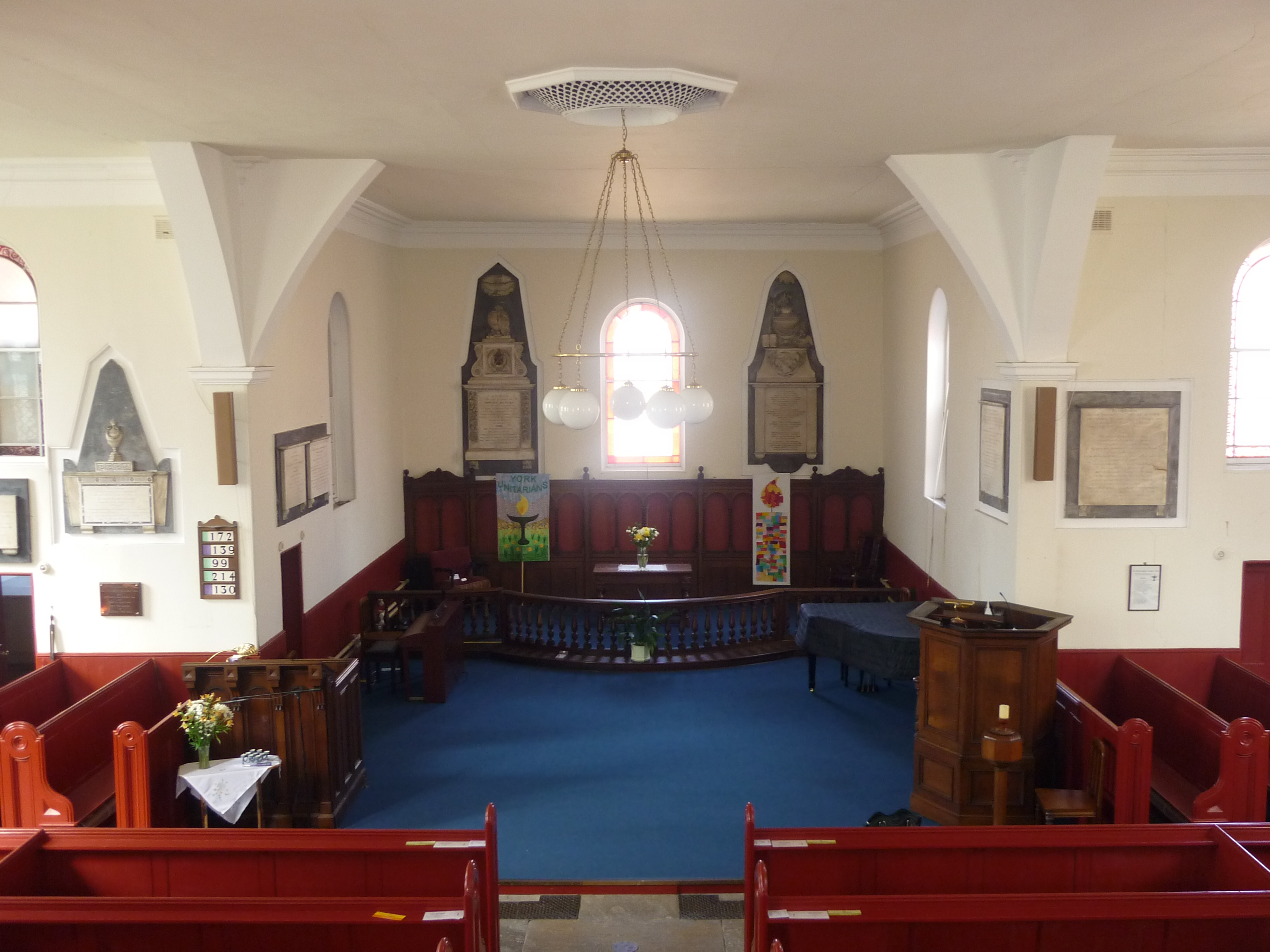 St Saviourgate Interior 03