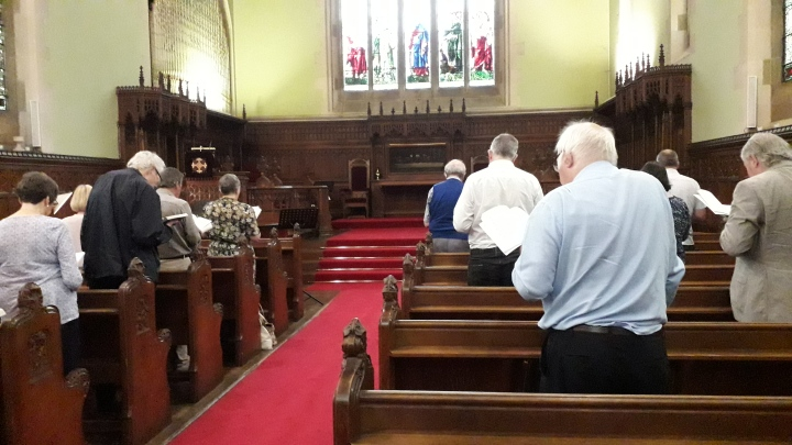 HMCO worship in the chapel