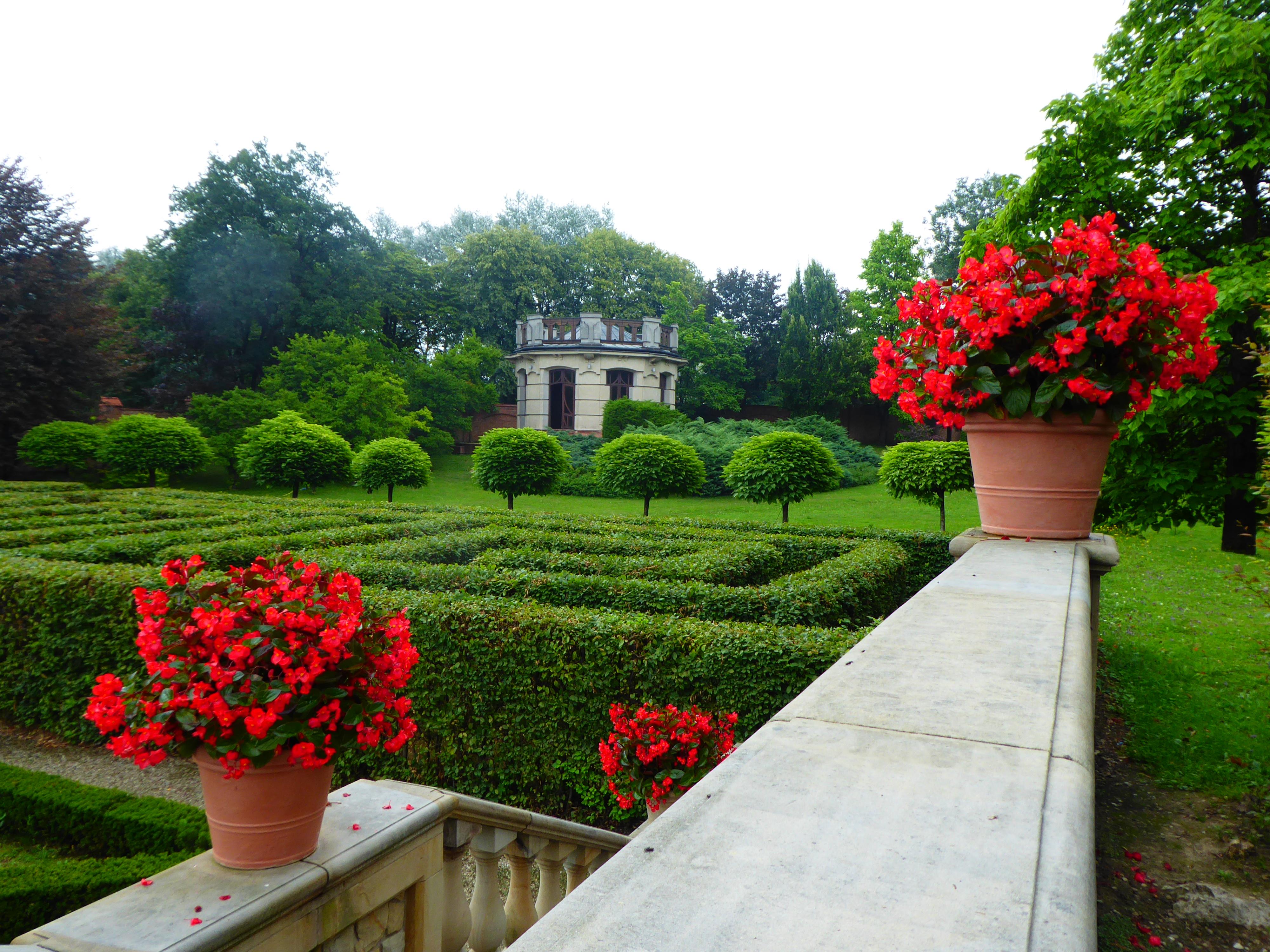 Socinus Grave Estate 03