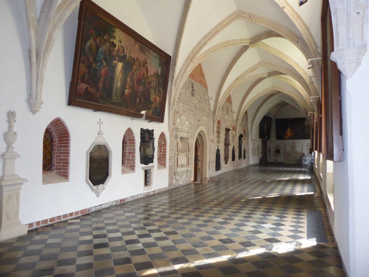 Dominican cloisters additional